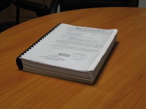 Suurin piirtein tämän kokoinen nippu erilaisia papereita tarvitaan melkein mitä tahansa mistään virastosta haettaessa.