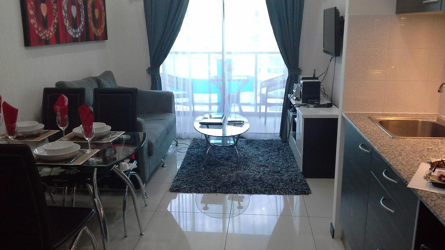 Thaimaan Suomalainen  Asunto myytävänä Pattayan Buddha Hillillä