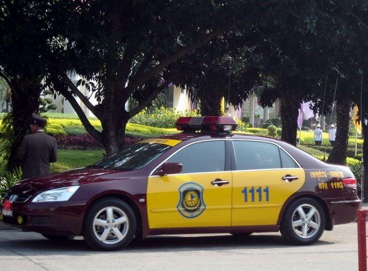 Liikennettä valvovien poliisien on kai kohdakkoin syytä alkaa elää omalla palkallaan?