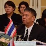 Työvoimaministeriön johtaja Varanon Peetiwan.