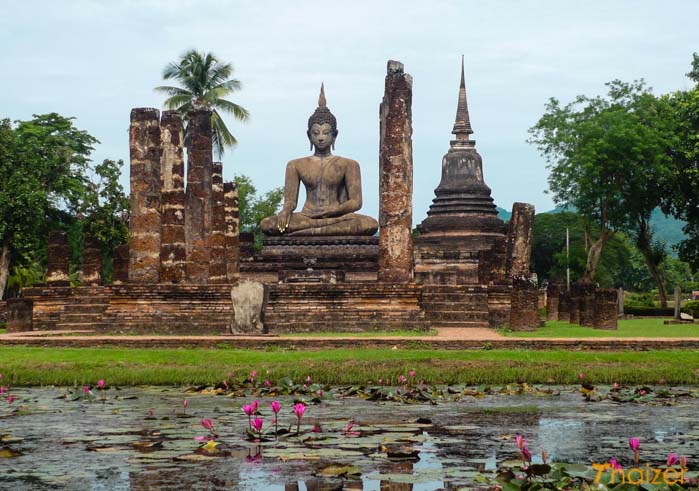 Sukhothain historiallinen puisto on kertakaikkiaan must seutukunnalla vierailevalle.